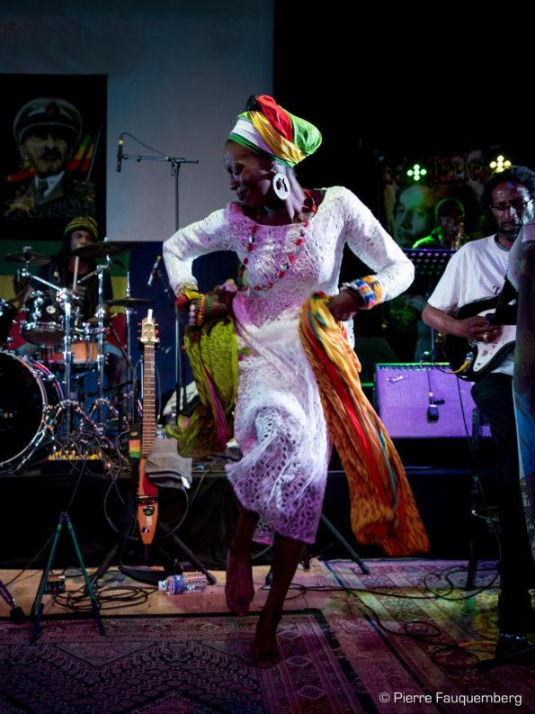 Fari Band (Guest Live)